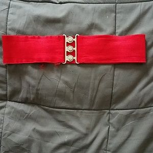 Red elastic sinch belt
